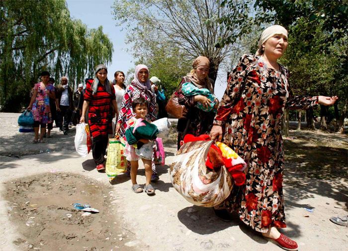 Ethnic Uzbeks returning to Kyrgyzstan