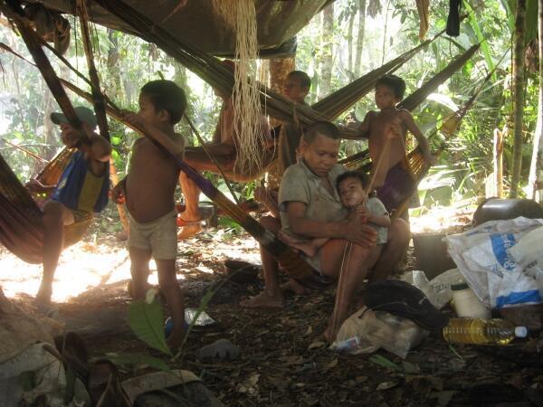 El informe de AI cuestiona el tratamiento a las comunidades indígenas en América Latina. En la foto indígenas colombianos donde 60 pueblos de 102 estarían en peligro