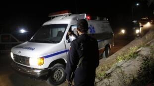 Polícia mexicana isola área onde foi encontrado um caminhão que levava material radioativo perto da Cidade do México, nesta quinta-feira, 5 de dezembro de 2013.