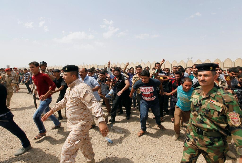 Daruruwan mutanen Iraki da suka shiga aikin Soja domin yakar Mayakan da suka karbe ikon Mosul da wasu biranen arewacin kasar