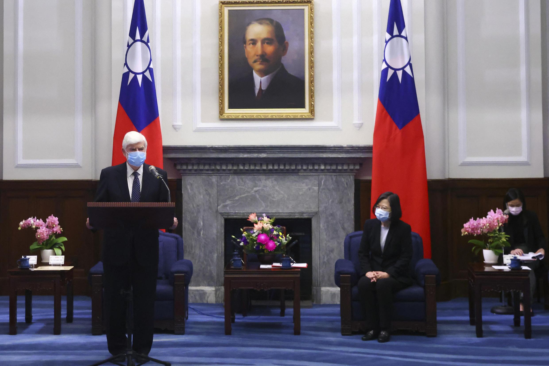 美国前参议员克里斯·多德(Chris Dodd)与台湾总统蔡英文会晤 2021年4月15日 台北
