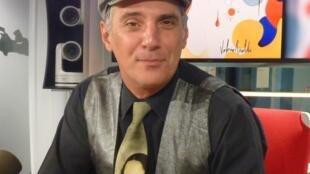 Valerio Rinaldi en los estudios de RFI