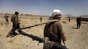 نبرد با طالبان را در اطراف منطقه غور همچنان ادامه دارد.
