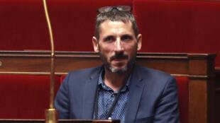 Matthieu Orphelin, the departing deputy.