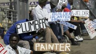 Negros são os que mais sofrem com o desemprego na África do Sul.