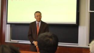 美國麻省理工學院華裔教授陳剛在華獲選傑出校友照片