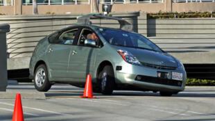 La Toyota Prius à conduite automatique de Google.