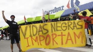 Brésil supermarché carrefour mort noir