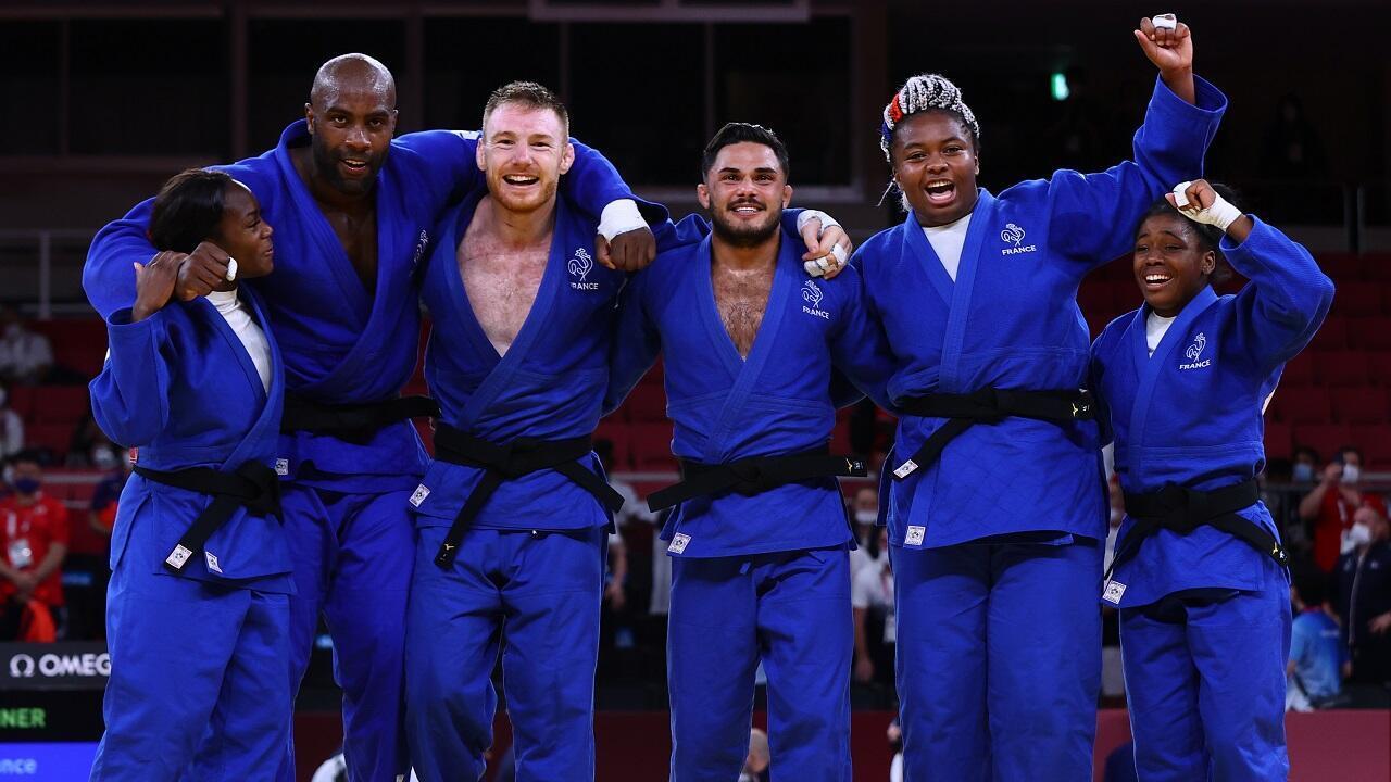 PHOTO France Judo Equipe Mixte en or - 31 juillet 2021