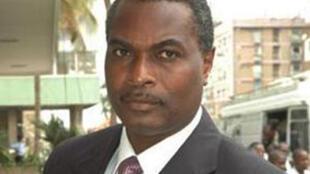 Abel Chivukuvuku, líder da CASA-CE