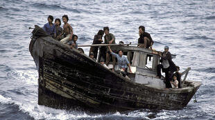 «Boat people» quittant le Vietnam en 1982.