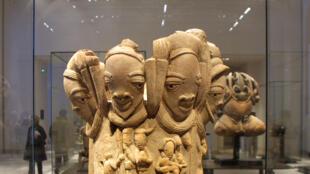 Une sculpture Nok du Nigeria exposée au musée du Louvre, à Paris.
