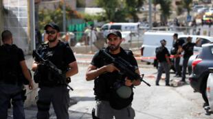 Сотрудники израильской полиции в Иерусалиме.