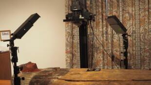 Los científicios sacaron una serie de fotografías iluminando el sarcófago con diferente tipos de luces.