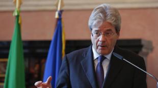 Le ministre italien des Affaires étrangères, lors d'une conférence de presse conjointe avec son homologue russe, le 11 décembre à Rome, en marge de la conférence «Med-2015» sur la Méditerranée.