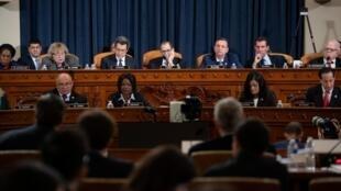 Les membres de la commission judiciaire qui siège au Capitole le 4 décembre 2019.
