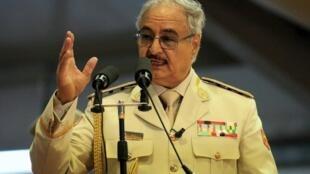 Le maréchal Haftar, l'homme fort de l'Est libyen, lors d'un discours à Benghazi le 7 mai 2018.