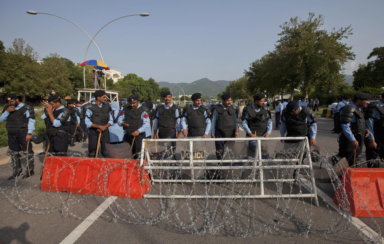 Наряд пакистанской полиции в Исламабаде (архив)