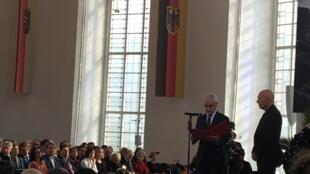 Sebastião Salgado recebeu o Prêmio da Paz do Comércio Livreiro Alemão em Frankfurt, neste domingo 20 de outubro de 2019.