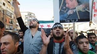 Waandamanaji Nchini Syria wakiendelea kupaza sauti zao wakidai demokrasia katika Taifa hilo