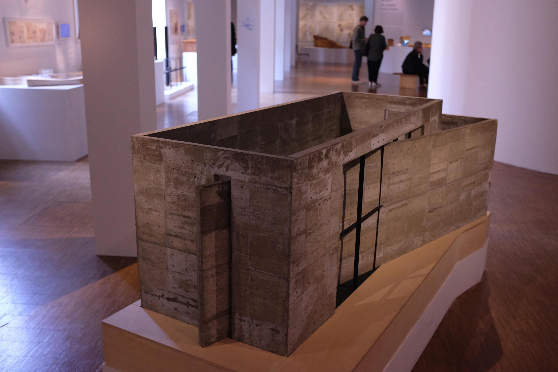 Maquette de Tadao Ando : « Extension de l'Eglise de la lumière » à Osaka, exposée au Centre Pompidou.