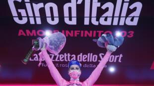 Le Portugais Joao Almeida a conforté son maillot rose de leader du Tour d'Italie lors de la 14e étape, un contre-la-montre entre Conegliano et Valdobbiadene, le 17 octobre 2020