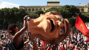 Manifestantes en Rio contra la política de Bolsonaro, este sábado  29 de mayo de 2021.