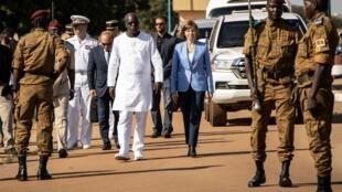 Le ministre de la Défense burkinabè Cherif Sy et son homologue française Florence Parly.