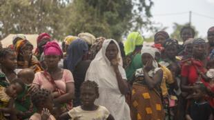 Des dizaines de milliers de civils ont fui les violences dans la province de Cabo delgado, dans le nord du Mozambique.