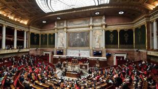 مجلس ملی فرانسه، پنجشنبه ۲۹ آذر/ ٢٠ دسامبر، بودجه سال ۲۰۱۹ میلادی را تصویب کرد.