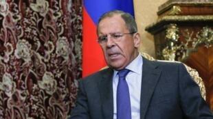 O Ministro das Relações Exteriores russo, Serguei Lavrov, disse que a Rússia vai reconhecer os resultados das eleições separatistas no leste da Ucrânia.