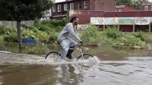 Calles inundadas en Nueva Jersey.