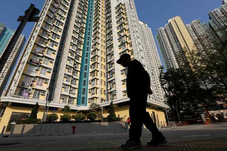资料图片:香港某社会住房区。摄于2013年1月16日。