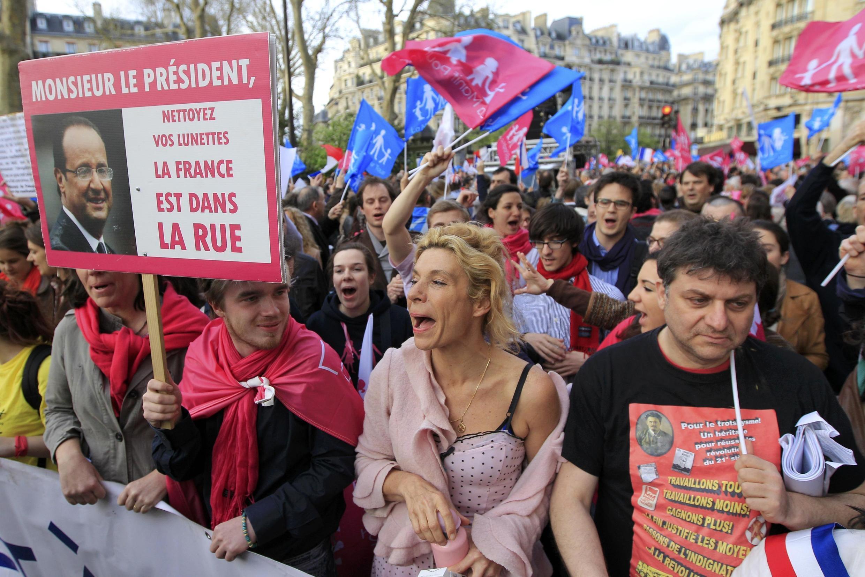 法国多次发生抗议同性婚姻立法游行
