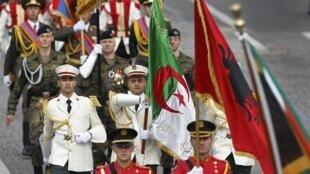 Pour le Centenaire 14-18, présence symbolique de l'Algérie lors du traditionnel défilé militaire de la fête nationale.