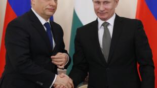 Le Premier ministre hongrois Viktor Orban et le président russe Vladimir Poutine, en janvier 2014 près de Moscou.
