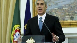 José Sócrates primeiro-ministro demissionário português