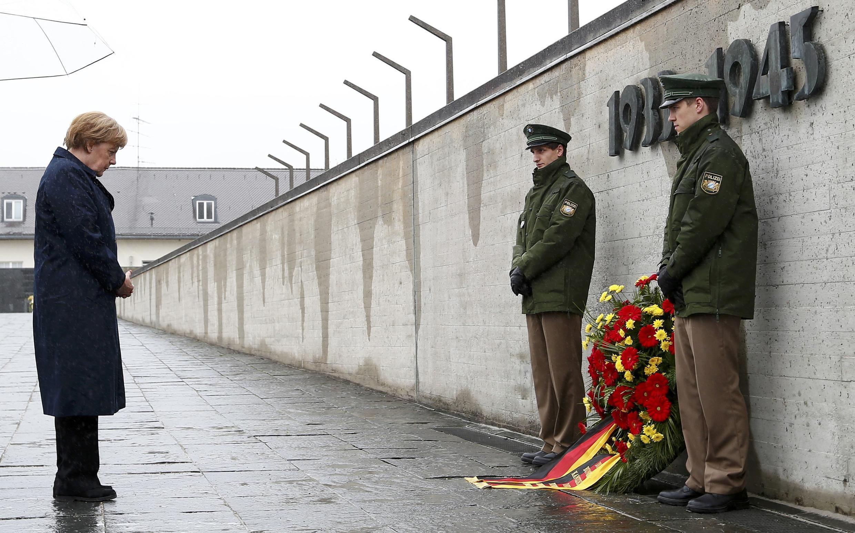 Ангела Меркель у памятника жертвам Холокоста, 3 мая 1915