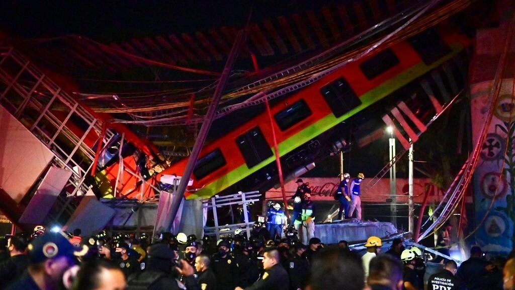 Mexique: effondrement d'un pont du métro aérien à Mexico, des dizaines de morts et de blessés
