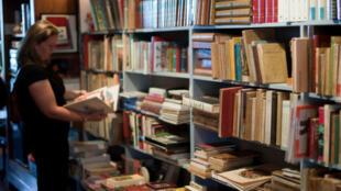 Dans une librairie de Bécherel (Bretagne), capitale du livre.