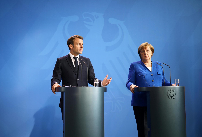 Le président français Emmanuel Macron et la chancelière Angela Merkel, lors d'une conférence de presse au sommet sur les Balkans, à Berlin, le 29 avril 2019.
