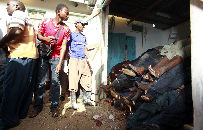 Убитые в нападении боевиков на городок Мпекетони в Кении 15 июня 2014