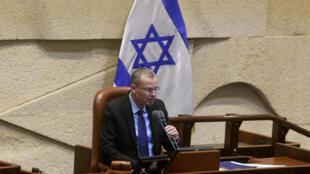 Yariv Levin habla sobre la formación de un nuevo gobierno ante el Parlamento israelí, el 7 de junio de 2021 en Jerusalén