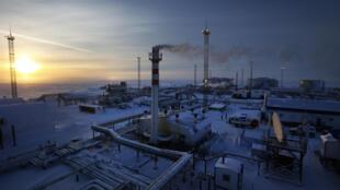 沃斯托克石油-俄罗斯在北极的一个超大型油气勘探开发项目 Le projet Vostok, les ambitions de la Russie dans l'Arctique, rassemble plusieurs activités de Rosneft dans l'Extrême-Nord russe.