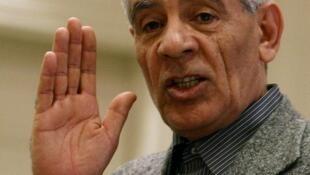 Ex-ministro líbio, Moussa Koussa, vai discutir futuro do país no Catar