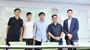 香港立法会议员朱凯廸(Eddie Chu),香港学联副秘书长岑敖暉(Lester Shum),香港众志负责人黄之锋与民进党秘书长羅文嘉与副秘书长林飛帆在记者会上,2019年9月三日。