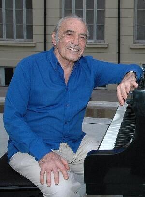 Miguel Angel Estrella.