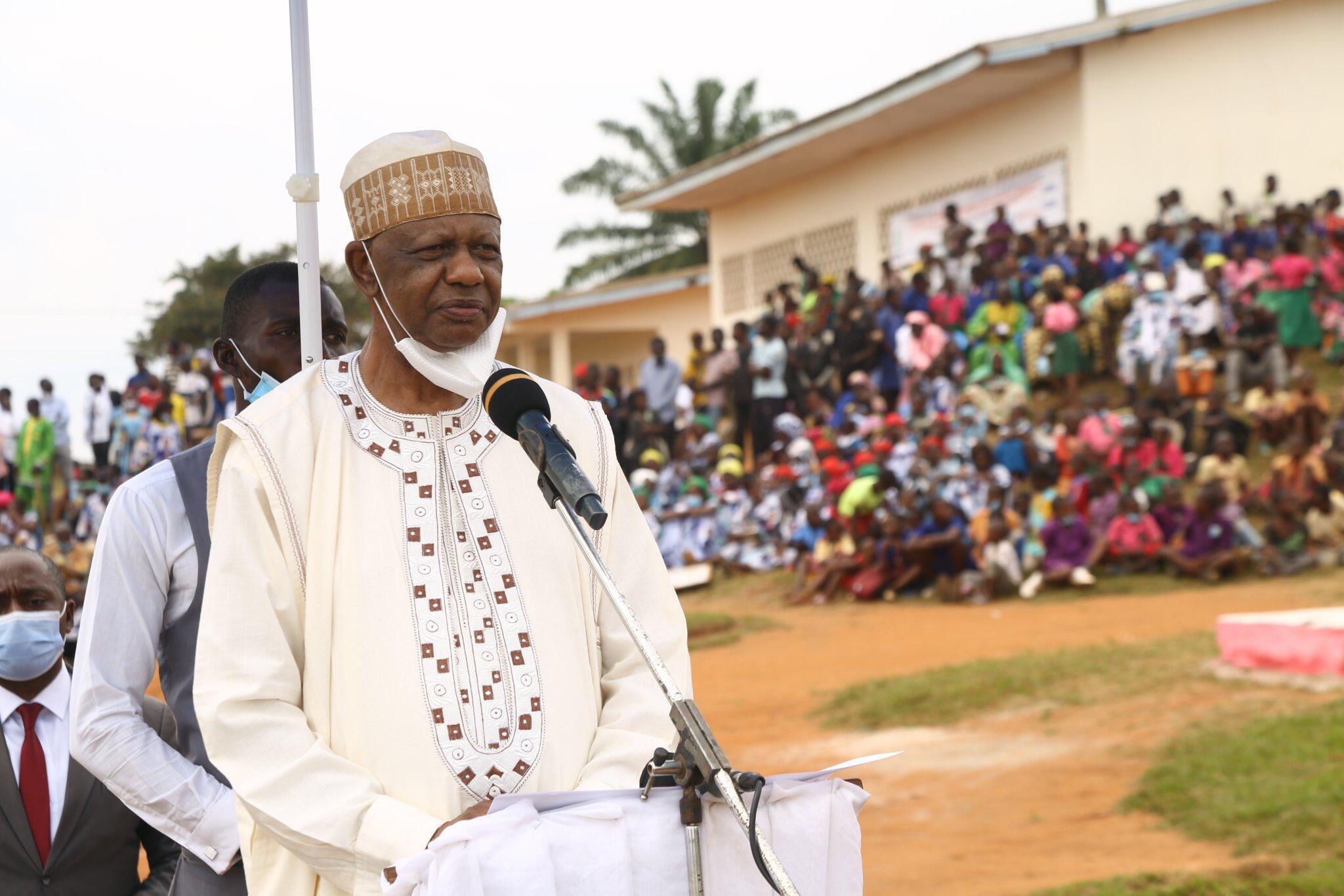 Marigayi Alim Hayatou, Sarkin Garoua mai daraja ta daya, kuma karamin minista a ma'aikatar kiwon lafiyar kasar Kamaru.