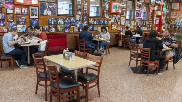 Covid-19 : 美国纽约餐馆重开室内就餐(photo:RFI)