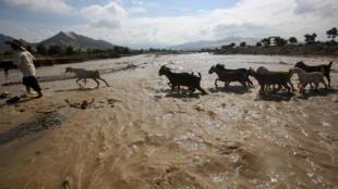Le fleuve Viru après les inondations à Trujillo, dans le nord du Pérou, le 22 mars 2017.